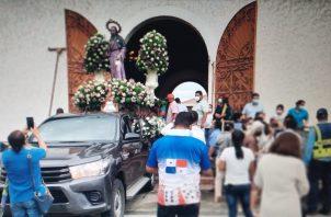 El calor de la fe y la devoción no se pierde entre la población creyente católica de Veraguas. Foto: Melquiades Vásquez