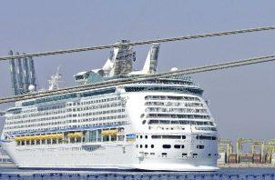 Seis pasajeros que navegan a bordo del crucero Adventure of the Seas de la compañía Royal Caribbean International dieron positivo a covid-19. Foto: EFE
