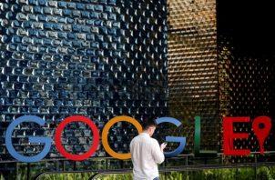 Google es una empresa, principal subsidiaria de la multinacional estadounidense. Cuya especialización son los productos y servicios relacionados dispositivo electrónico y otras tecnología.