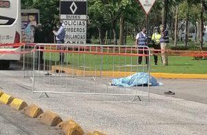 Investigan causa del accidente que dejó una víctima fatal en la Cinta Costera. Foto: Cortesía Tráfico C Panamá