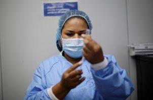 El Salvador acumula 2,629 decesos a causa de la covid-19. Foto: EFE
