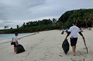 Esta limpieza de playas se dio en el área de senderos y playa de El Cirial, en la isla Iguana. Foto: Thays Domínguez