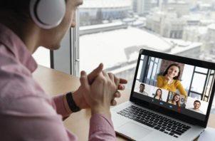 El formato 'live' no es la única opción para realizar un evento virtual. Ilustrativa / Freepik