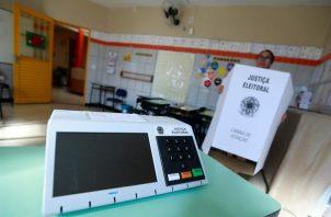 La urna electrónica permite que el voto sea auditable. Foto: EFE