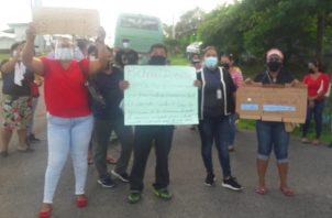 Los manifestantes sonaban pailas, portaban pancartas y gritaban consignas. Foto: Eric A. Montenegro