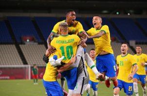 Brasil reservó su lugar en la final de los Juegos Olímpicos después de vencer a México 4-1 en los penaltis. Foto Cortesía: @FIFAcom