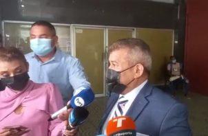 El abogado Sidney Sittón integra el equipo de defensa de Ricardo Martinelli en el caso de los supuestos pinchazos telefónicos.