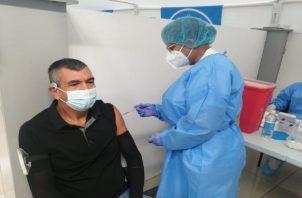 Para vacunar a más personas, Panamá deberá hacer barridos en todo el país vacunando a toda la población de 12 años de edad en adelante. Foto: Grupo Epasa