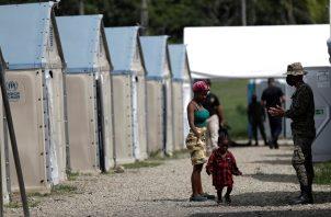 Migrantes en el albergue de San Vicente. Foto: EFE
