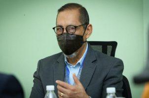 José Vicente Pachar, actual director del Instituto de Medicina Legal y Ciencias Forenses habló de la importancia del uso de la cadena de custodia en su libro. Archivo