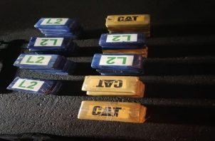 """Se informó que los paquetes con la droga, mantenían un etiquetado con las denominaciones """"Cat"""" y """"L 2"""". Foto: Cortesía PGN"""