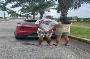 El hombre fue aprehendido junto a una mujer, con la cual viajaba en un automóvil de color rojo. Foto: Eric Montenegro