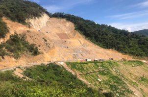 El Sinaproc ha estado inspeccionando los trabajos de mitigación que realiza la empresa en el tramo carretero. Foto: Eric Montenegro