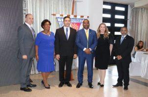 La nueva junta directiva de Apede capítulo de Colón trabajará en varios proyectos educativos y económicos. Foto: Diomedes Sánchez