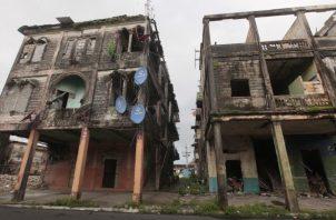 Muchos de los caserones en la provincia de Colón que se encuentran en estado deplorable tiene más de 50 años de haberse construido. Víctor Arosemena