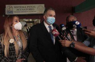 El equipo legal del expresidente Ricardo Martinelli ha señalado estar seguro de que volverá a probar su inocencia. Foto: Víctor Arosemena