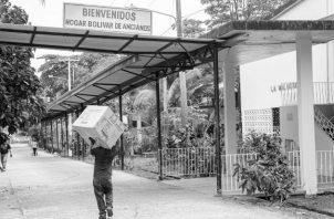 El Hogar Bolívar es vivo ejemplo de eso. Las donaciones cada vez son más escasas, hay muchísima necesidad de parte de los abuelitos abandonados sin recursos. Foto: Cortesía ACP.