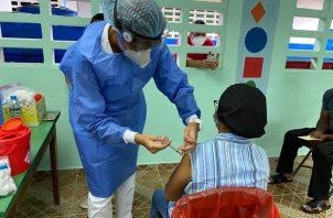 Panamá comenzó el proceso nacional de vacunación contra la covid-19 el 20 de enero de 2021. Foto Cortesía @CSSPanama