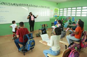 En las escuelas con modalidad semipresencial se podrá aumentar la cantidad de alumnos que se atienden. Foto: Cortesía Meduca