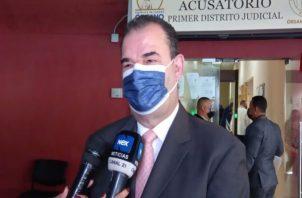 El abogado Carlos Carrilo, parte de la defensa de RIcardo Martinelli. Foto: Víctor Arosemena