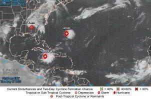 El patrón de trayectoria indica que el centro de Grace se alejará hoy de Gran Caimán. Foto: EFE