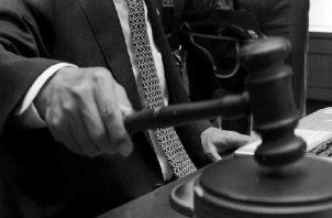 Se hace necesario que la Historia, con un giro crítico, aborde las problemáticas reales y actuales de la justicia panameña, mediante el análisis de los Archivos judiciales. Foto: EFE.