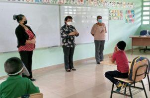 Cámara de Comercio aplaude retorno de docentes a las aula. Foto: Cortesía Meduca