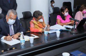 La Subcomisión de Educación realiza consultas con diferentes sectores involucrados en este tema. Foto: Cortesía