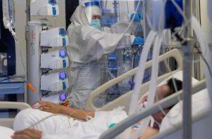 En la mayoría de las UCI de los hospitales españoles ya se aplica esta técnica a los pacientes con Síndrome de Distress Respiratorio Agudo (SDRA) severo. Foto: EFE