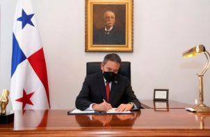 Las leyes fueron firmadas por el mandatario Laurentino Cortizo y la ministra de Gobierno, Janaina Tewaney Mencomo.