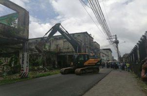 El alcalde de Colón Alex Lee, asegura que las demoliciones de casas que representan un riesgo para los ciudadanos seguirán. Foto: Diomedes Sánchez