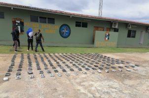 En orea diligencia policial fueron capturados cuatro panameños por microtráfico. Foto: Senafrontt