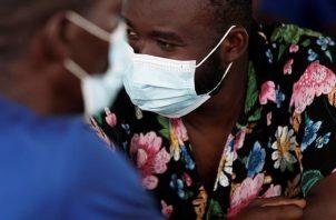 Migrantes haitianos en el albergue de San Vicente en Metetí (Panamá). EFE