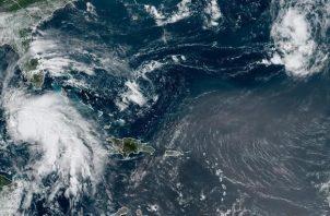 Imagen satelital cedida por la Oficina Nacional de Administración Oceánica y Atmosférica de Estados Unidos (NOAA) en la que se registró la localización del huracán Ida. EFE