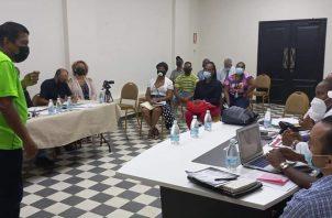 Estos encuentros se realizan en los salones de reuniones de la Gobernación. Foto: Diómedes Sánchez
