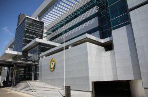La actual directiva de la Asamblea Nacional ha seguido la práctica y ya ha alquilado 15 vehículos por más de 130 mil dólares. Foto: Archivo