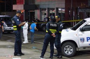 El cuerpo de la víctima fue ubicado en un lote baldío. Foto: Mayra Madrid
