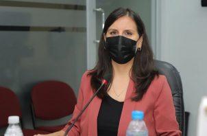La directora de la Senniaf, Gabriela Mauad, sustentó el presupuesto para el próximo año, que incluye tres centros de atención a niños.