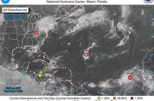 Localización de Larry, la duodécima tormenta tropical de este 2021; y las depresiones tropicales Kate e Ida. EFE