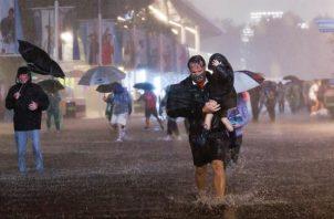 Miles de personas han tenido que ser evacuadas debido a las inundaciones. EFE