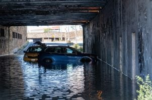 Las lluvias récord caídas en la Gran Manzana se hacían notar aún hoy en el sistema de transporte de la ciudad. Foto:EFE