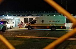 Amigos y familiares de la víctima lo trasladaron al centro médico Hogar de La Esperanza en Veracruz, donde falleció minutos después de su ingreso. Foto: Eric Montenegro