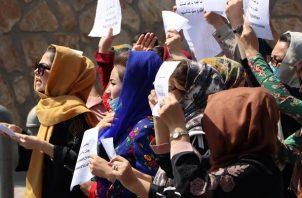 Protesta de mujeres afganas este viernes en Kabul. Foto: EFE