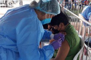 Continúa barrido de vacunación contra la covid-19 en la provincia de Coclé. Foto: Cortesía Minsa