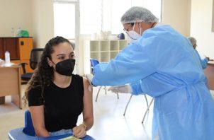 Hasta la fecha, Panamá ha aplicado 4,947,381 dosis de las vacunas contra la covid-19. Foto: Cortesía @CSSPanama