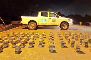 En la operación antidrogas se incautaron más de 350 paquetes de cocaína. Foto: Cortesía Senan