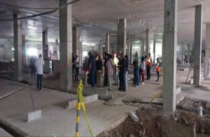 La Comisión de Infraestructura de la Asamblea fue al área para conocer la situación de la obra. Archivo