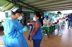 A partir del 15 de septiembre debe iniciar la jornada de vacunación por barrido contra la covid-19 en los distritos de Capira, Chame y San Carlos.. Foto: Eric Montenegro