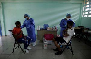 Panamá comenzó con el proceso nacional de vacunación contra el coronavirus el 20 de enero de 2021. Foto: EFE