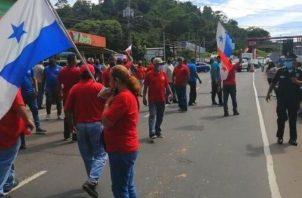 Taxistas protestaron en la vía Interamericana en La Pesa, en La Chorrera. Foto: Tráfico Panamá